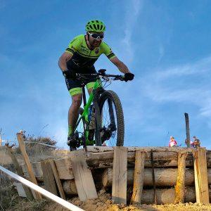 Moisés Dueñas repite victoria en el XCO BTT de Crespos